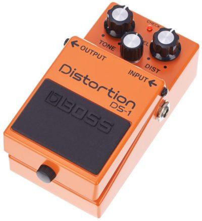 פדאל דיסטורשן לגיטרה - BOSS DS-1 לבמה כלי נגינה
