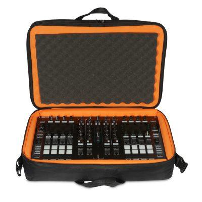תיק לקונטרולר UDG Ultimate MIDI Controller SlingBag Large MK3